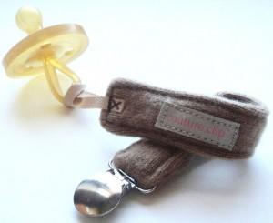 Couture Clip binky clip
