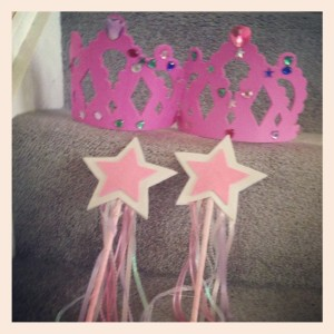 Busy Box Birthday Girl Kit Crowns and Wands